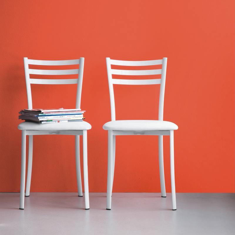 Sedie moderne economiche latest sedie per cucina moderna for Sedie moderne eleganti